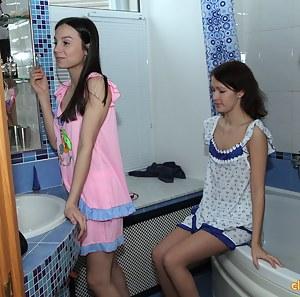 Lesbian Bathroom Porn Pictures