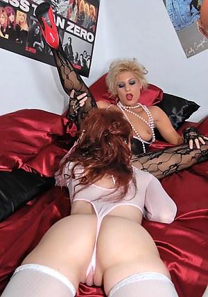 Lesbian Lingerie Porn Pictures