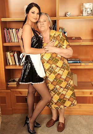 Lesbian Maid Porn Pictures